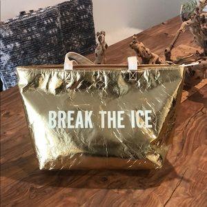 kate spade Bags - Kate Spade break the ice cooler bag